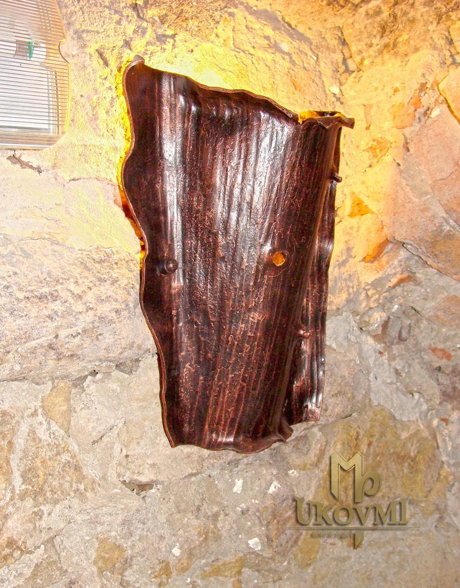 Kované nástenné tienidlo KÔRA VII. - interiérové umelecké svietidlo