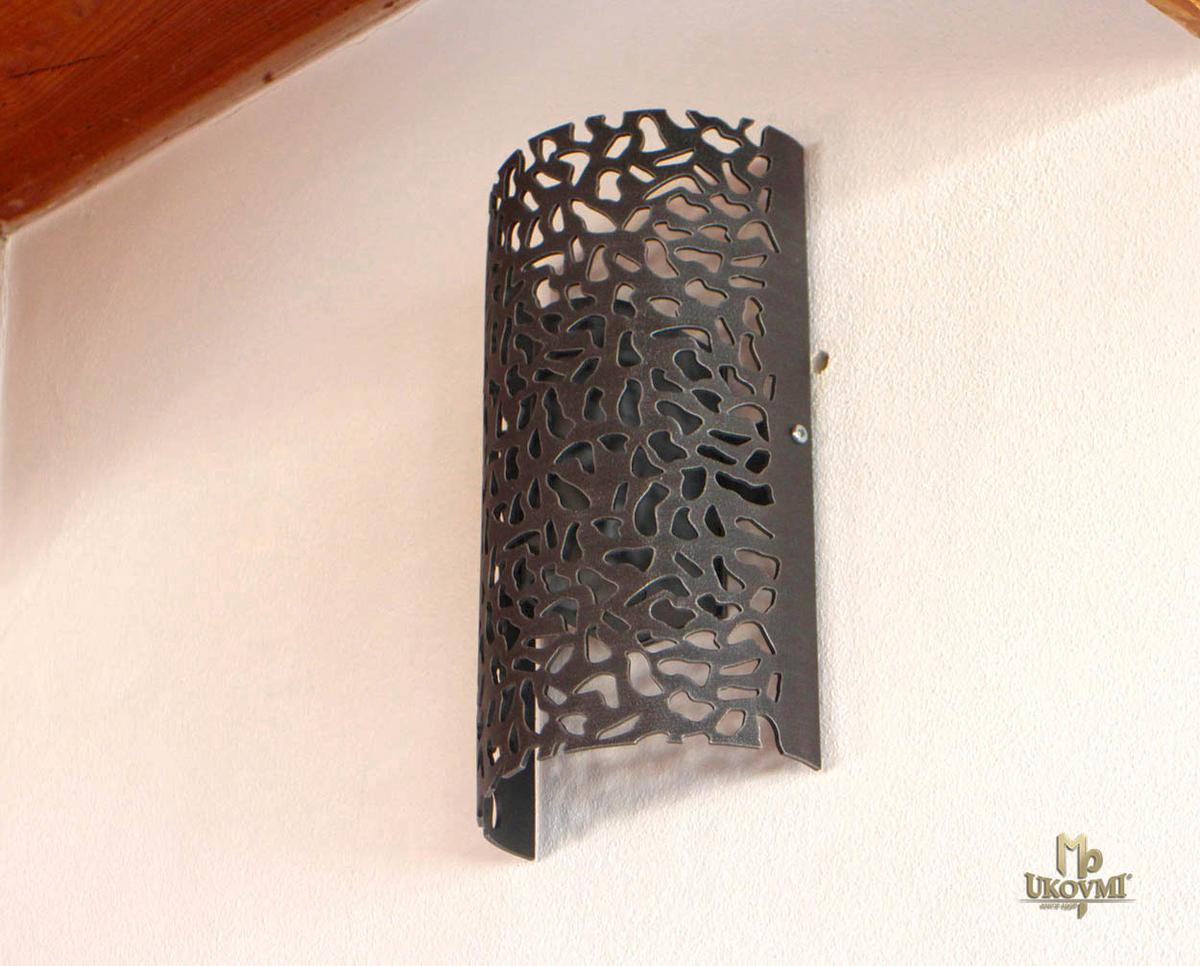Dizajnové kované tienidlo KAMEŇ - nástenné tienidlo