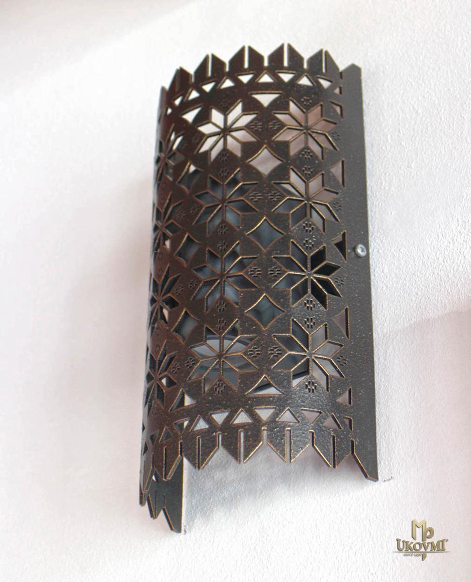Dizajnové kované tienidlo ČIPKA - nástenné tienidlo