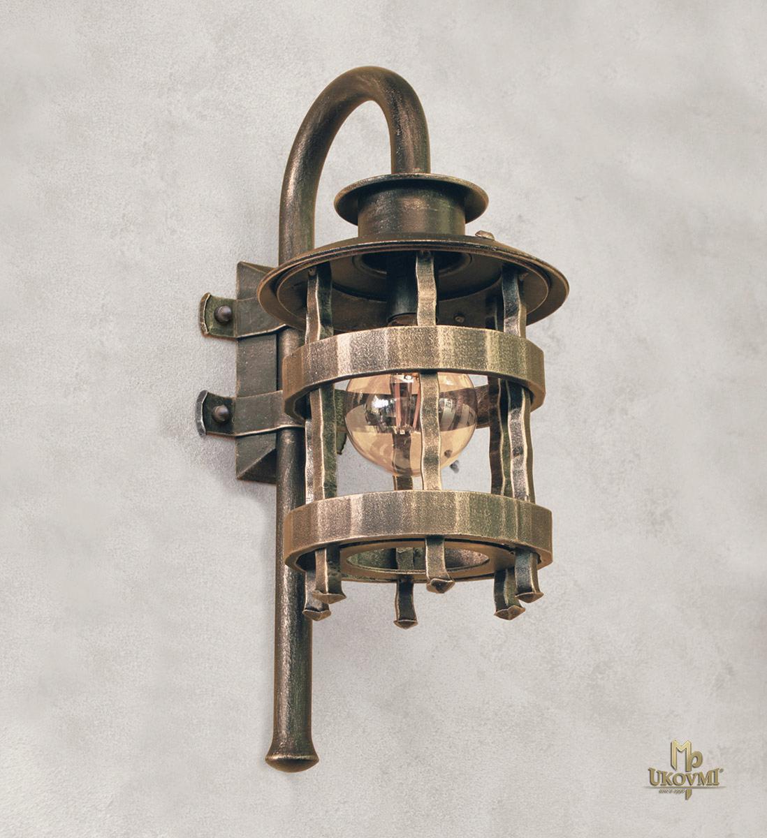 Kované nástenné svietidlo HISTORIK - exteriérová lampa