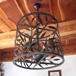 Kovaný luster VŔBA - štýlové interiérové svietidlo