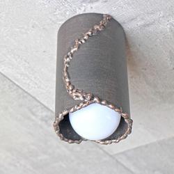 Dizajnové stropné svietidlo IDEÁL - ručne kované tienidlo