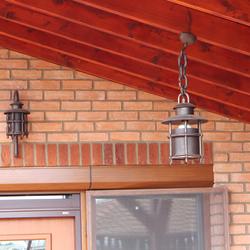Osvietenie prístrešku rodinného domu závesným svietidlom s tienidlom KLASIK - dizajnové svietidlá