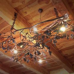 Originálne, vysoko kvalitné svietidlo s lesným motívm DUB ručne vyrobené na Slovensku - luxusný luster