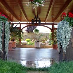 Štýlové závesné svietidlo výnimočne doplní a osvieti luxusný letný altánok - svietidlo je upravené medenou patinou