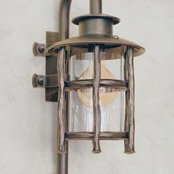 Dizajnová lampa - bočné svietidlo BABIČKA - exteriérové svietidlo vo vintage štýle - svietidlo na obrázku je v medenej patine