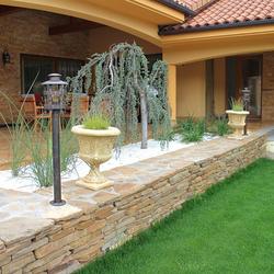 Ručne kované stojanové lampy HISTORIK ako osvetlenie skalky, terasy a záhrady - exteriérové svietidlá