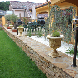 Záhradné stojanové svietidlá HISTORIK vo vysokej kvalite - kované lampy na terase