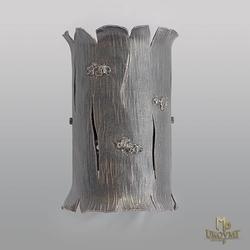Luxusná nástenná lampa s prírodným motívom kôry stromu - moderné svietidlo vykované umeleckými kováčmi na Slovensku