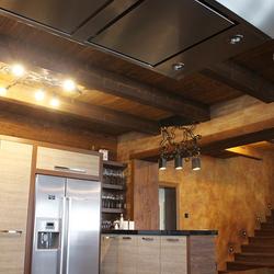 Exkluzívne osvetlenie kuchyne - interiérové ručne kované svietidlá vykované umeleckými kováčmi v UKOVMI